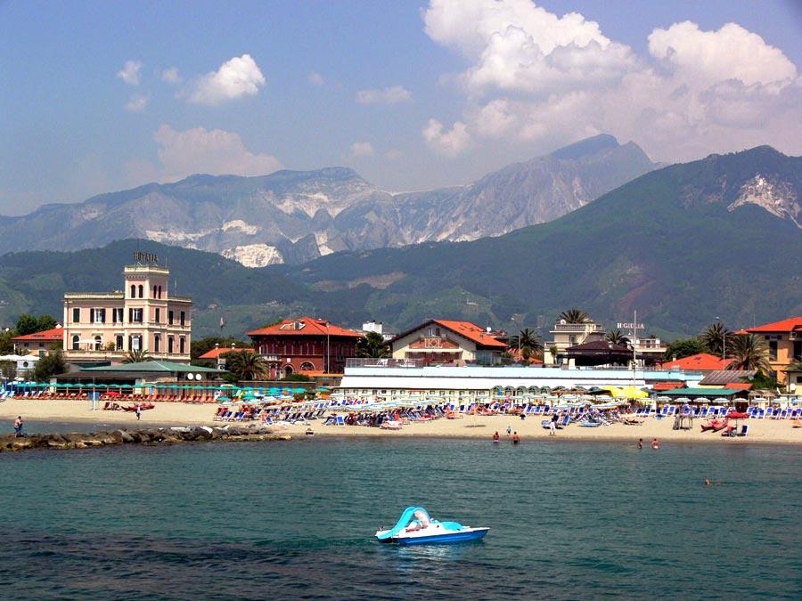 Matrimonio Spiaggia Marina Di Massa : Spiagge a marina di massa ∞ hotel peselli