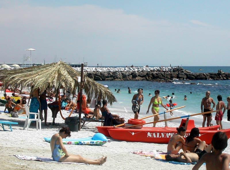 Marina di massa hotel peselli a marina di massa hotel a marina di massa - Bagno la cicala marina di massa ...